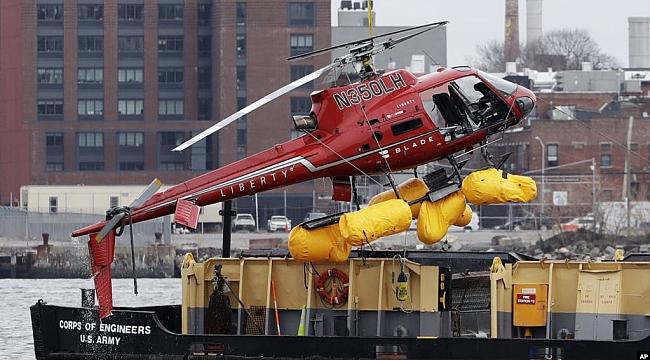 New York'ta Helikopter Gökdelene Çarptı: 1 ölü