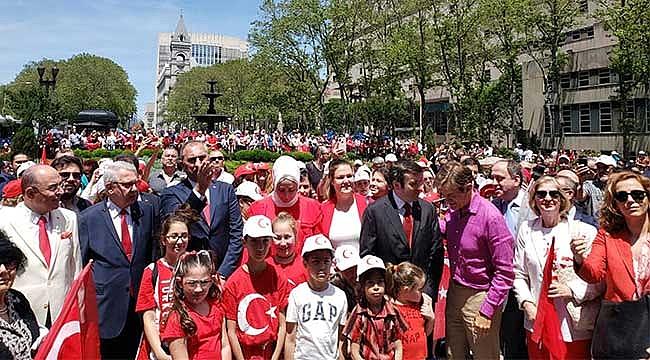 New York'ta Her Yer Kırmızı Beyaz