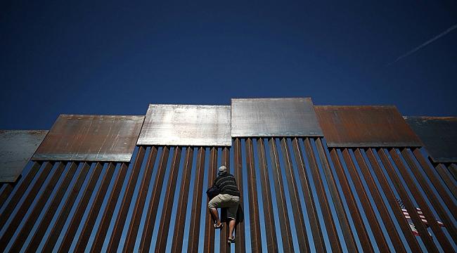 ABD'ye giren göçmenler sığınma hakkı talep edemeyecek