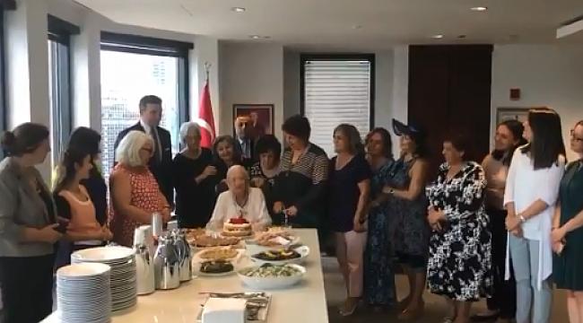 Chicago'da Mediha Süleyman'a Doğum Günü Süprizi