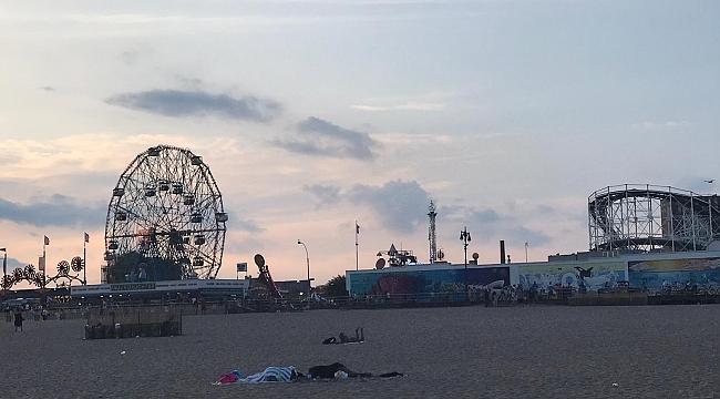 Amerika'nın En Eski Lunaparkı Coney Island'ta