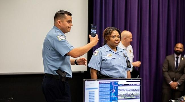 Chicago Polisine Samsung Dağıtılıyor