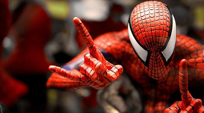 Örümcek Adam Ölmesin Protestosu