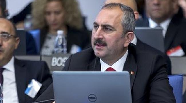 Abdülhamit Gül: Halkbank dosyası Hukuki Değil
