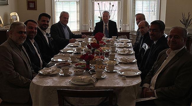 Houston'daki Suriyeliler Türk Konsolosluğunda