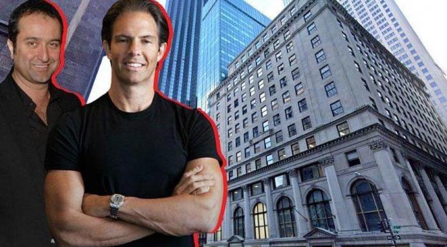 Serdar Bilgili New York'ta Coca Cola Binasını Aldı