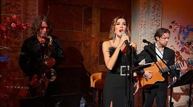 Esra Zeynep Yücel'den New York'ta Ezgiler