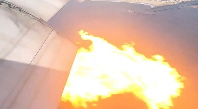 Los Angeles'ta Uçak Havada Alev Aldı