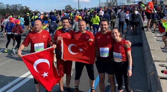 New York Maratonuna Türk Bayrağı ile Katıldılar