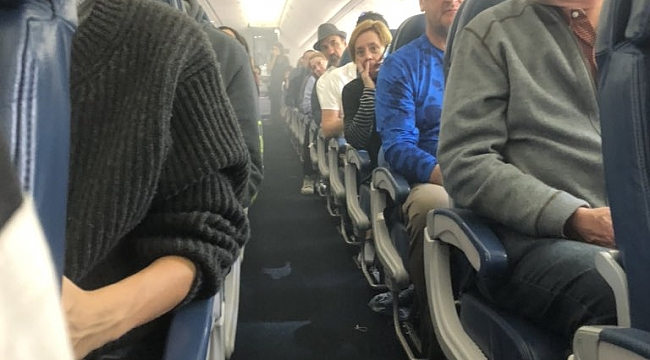 New York Uçağında Panik