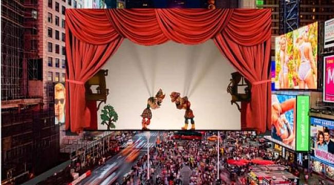 Times Square'de Hacivat Karagöz Gösterisi