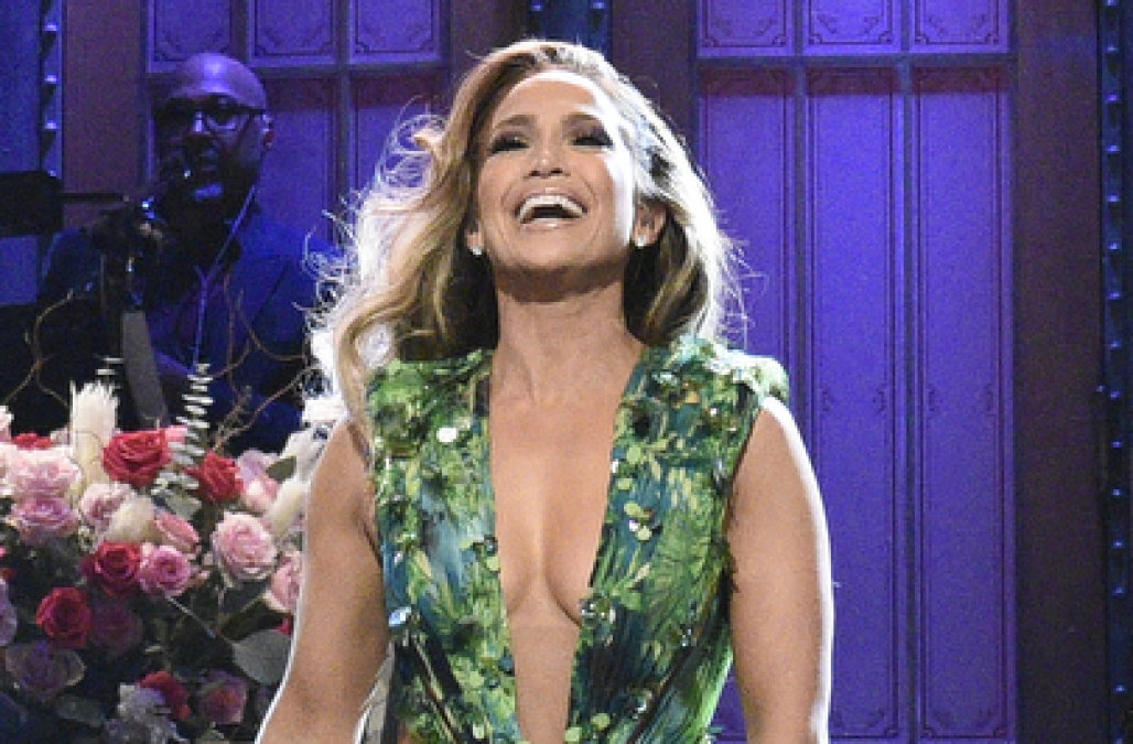 Jennifer Lopez strips down to iconic Versace dress