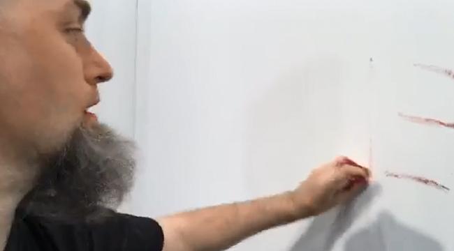 Cattelan'ın 'muz eseri' bir performansa ilham verdi