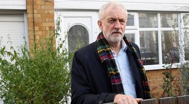 Jeremy Corbyn özür diledi