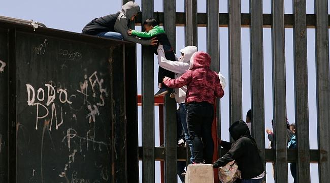 1000 Göçmen'in ABD Macerası
