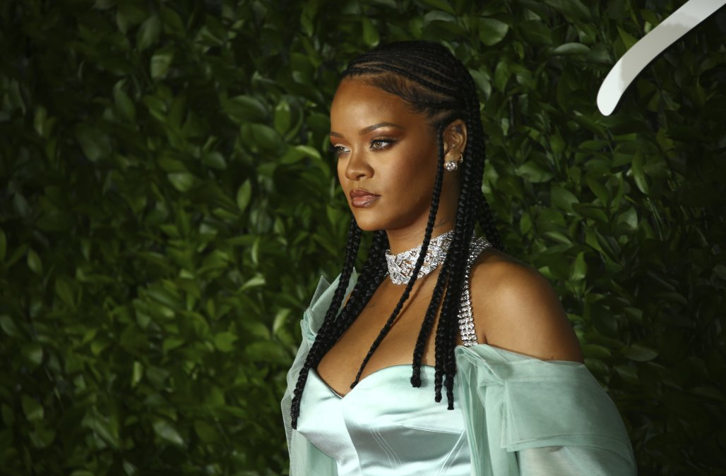 Rihanna reassures fans she's working on new music
