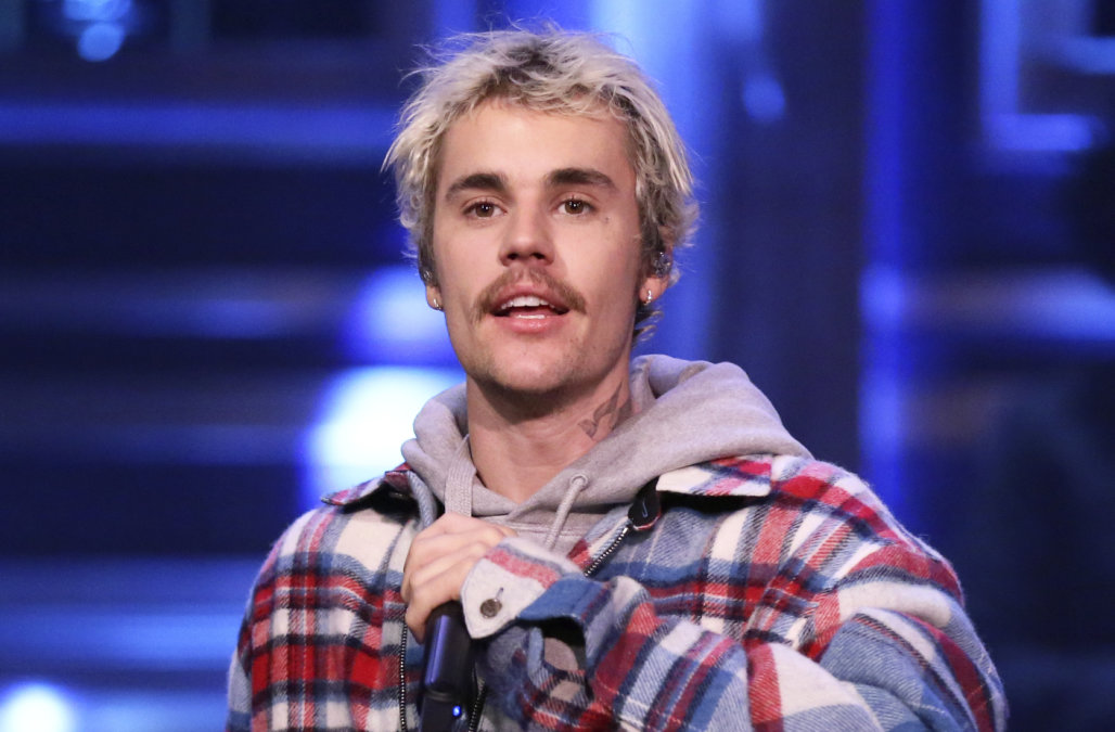 Justin Bieber opens up about crying paparazzi phot