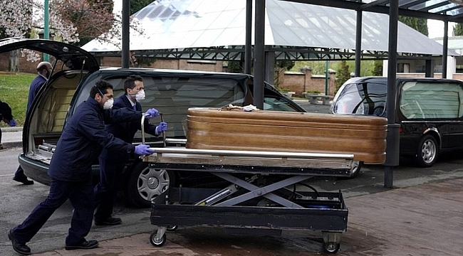 İspanya'da Asker Yaşlıları Ölü Buluyor