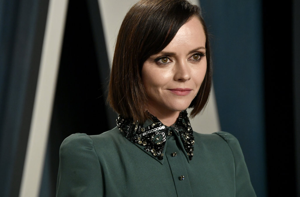 Christina Ricci files for divorce after being gran