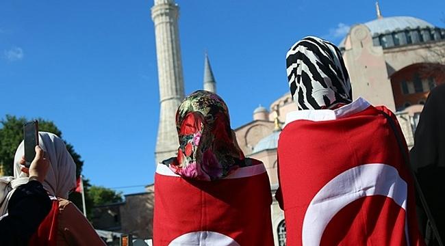 Ayasofya'ya Namaz Turu Başladı