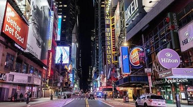Times Square'da Dükkalar Halen Kapalı