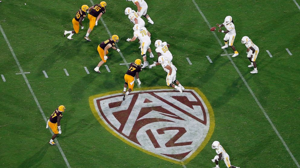 Reports: Text to Pac-12 players encourages possibl