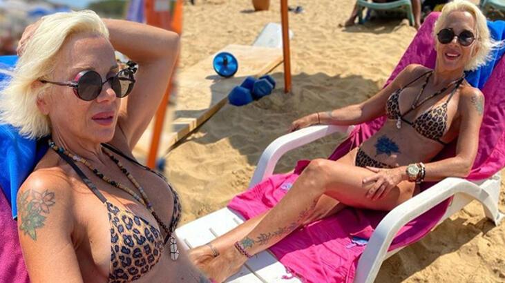 Billur Kalkavan leopar desenli bikinisiyle poz ver