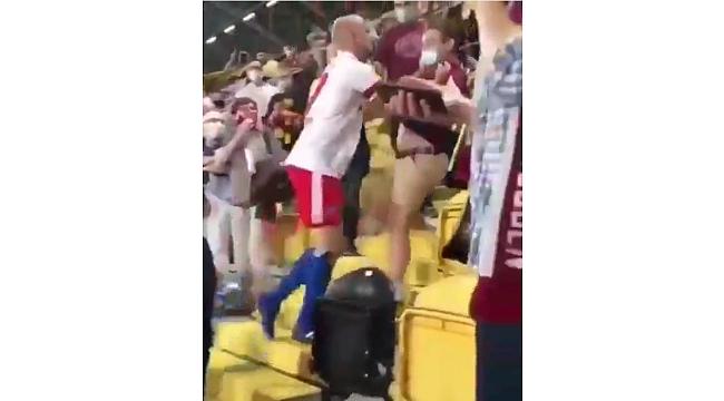 Alman Futbolcu Rakip Takım Taraftarına Saldırdı