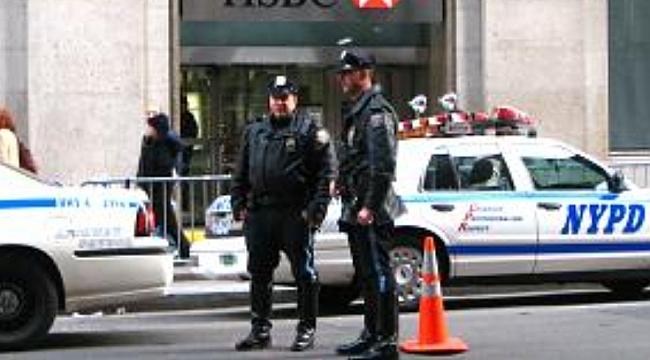 NYPD'deki Bir Polise Ajanlık Suçlaması