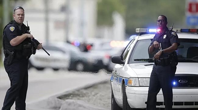 Polisler 21 El Ateş Etti Zanlı Yaşamını Yitirdi