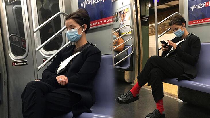 Jaimie Alexander'ın metro yolculuğu