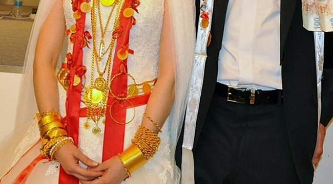 Düğünde Sahte Altınlarla Gerçekleri Değiştirdi