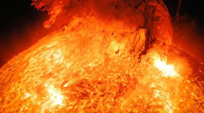 Güneş'te Büyük Bir Patlama Gerçekleşti!