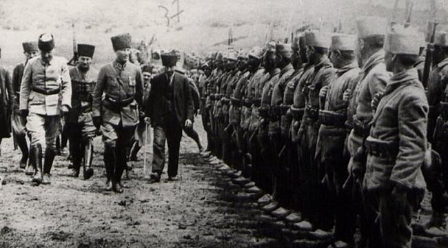 ABD'li Askerlerden Atatürk'e Övgü