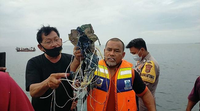 Endenozya'da Yolcu Uçağı düştü