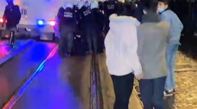 Protestocular Brüksel'i Ateşe Verdi!