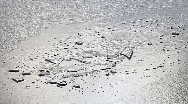 Donmuş Gölde Buz Kırılınca 4 Kişi Öldü
