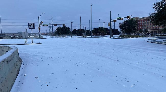 Houston'a 21 Yıl Sonra Kar Yağdı