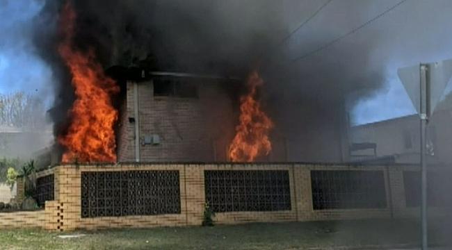 Yangını Söndürürken Yangının Ortasında Kaldı