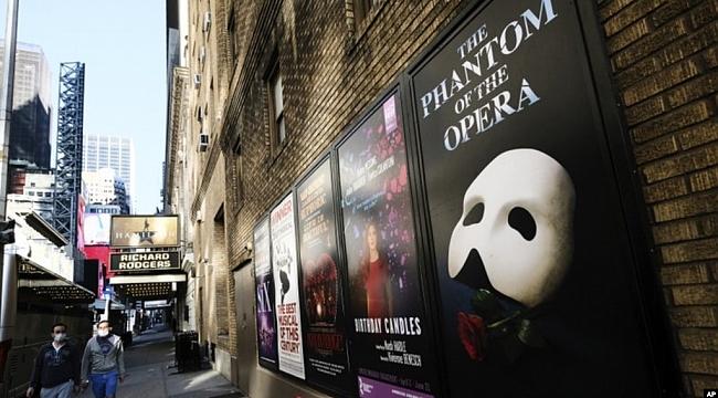Broadway Perdelerini Yeniden Açıyor