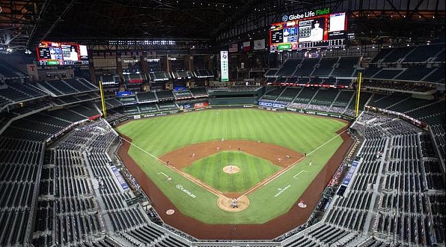 Texas Rangers'ın Stadyumu Tam Kapasite Açılıyor