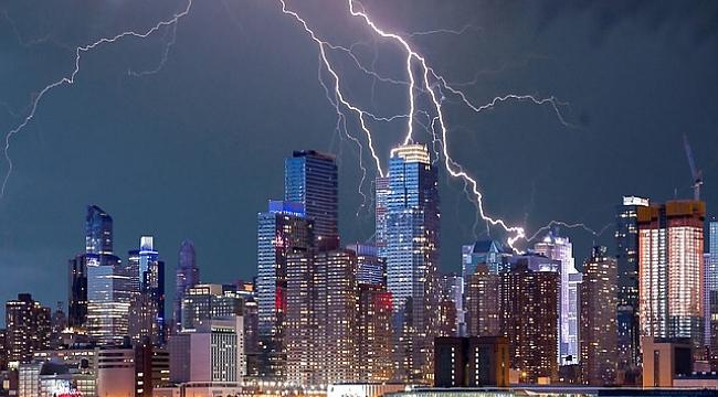 ABD'de 2021 Yine Kasırgalarla Geçecek