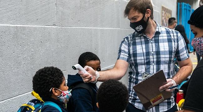 New York'ta 1 Milyon Öğrenciye Covid-19 Testi