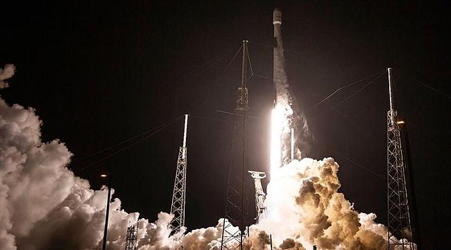 SpaceX, Uzaya Dijital Radyo Uydusu Gönderdi