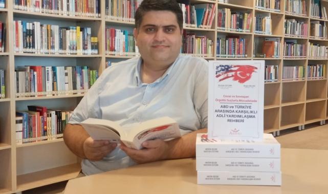 ABD'deki Türkleri Dolandırılmaktan Koruyacak Rehber Kitap Çıktı!