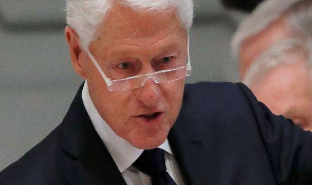 Bill Clinton Hastaneye Kaldırıldı