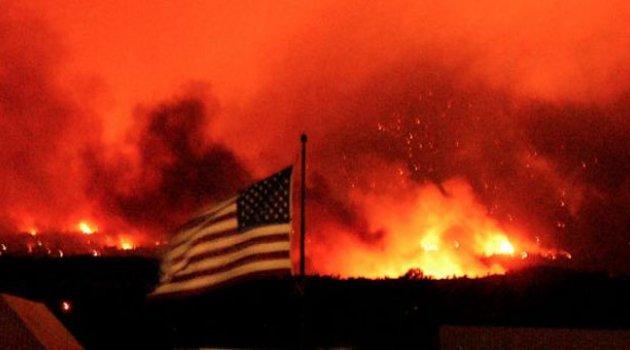 Alevler Bu Kez ABD'yi Sardı