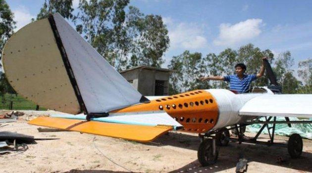 Hiç Uçağa Binmemişti... Uçak Yaptı
