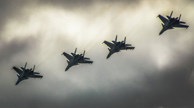 Rusya'nın uyarısının ardından uçuşları durdurdular