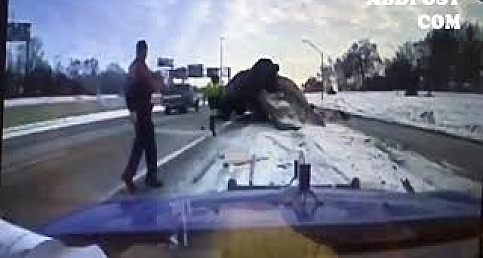 Terrifying dash cam footage showing a car in Detroit slamming www.abdpost.com